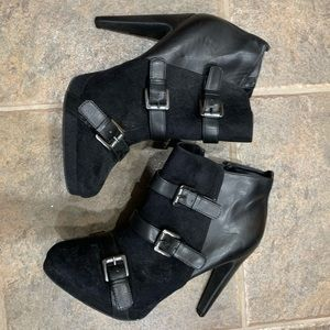 HEELED BOOTS WITH BUCKLES